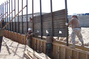 Der Grenzwall zwischen Mexiko und den USA: Lasst Hundert Mauern erblühen!